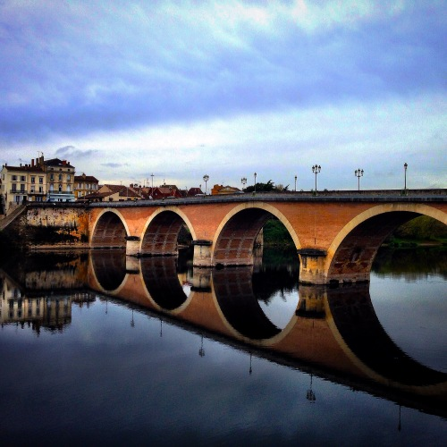 Reflections on the Dordogne: Périgueux, October © Julie Christine Johnson 2014